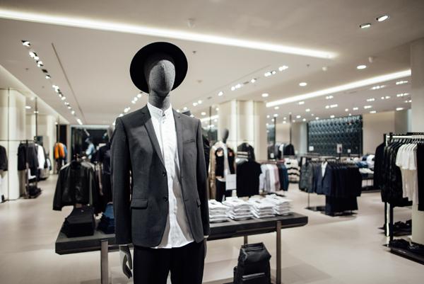 Zara về Việt Nam, đầu mối nhận đặt hàng online lo mất khách