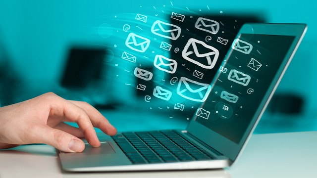 4 lý do khiến bạn phải xây dựng một bản tin email thường xuyên
