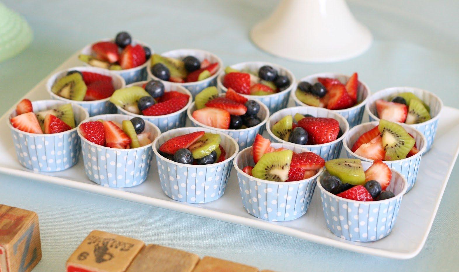 bán đồ ăn vặt cho học sinh với hoa quả dầm