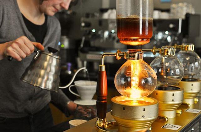 bình shyphon pha cafe bằng áp suất