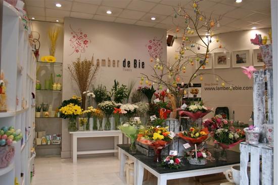 Các mẹo giúp biến hóa cửa hàng kinh doanh hoa tươi trở nên đẹp lung linh 2