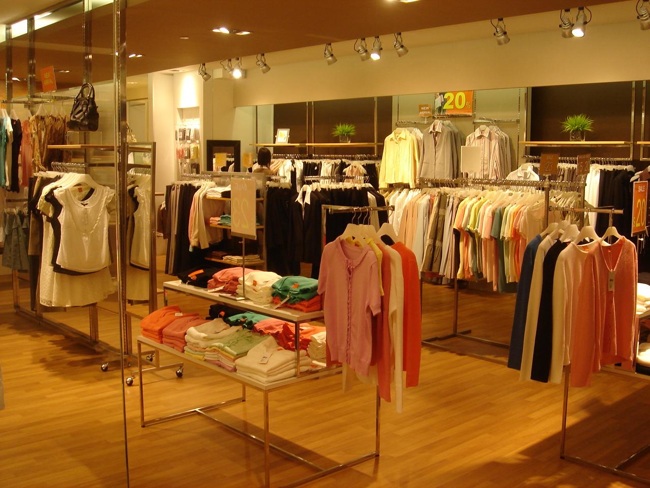 Chọn nguồn sỉ quần áo thế nào để được giá rẻ nhất?