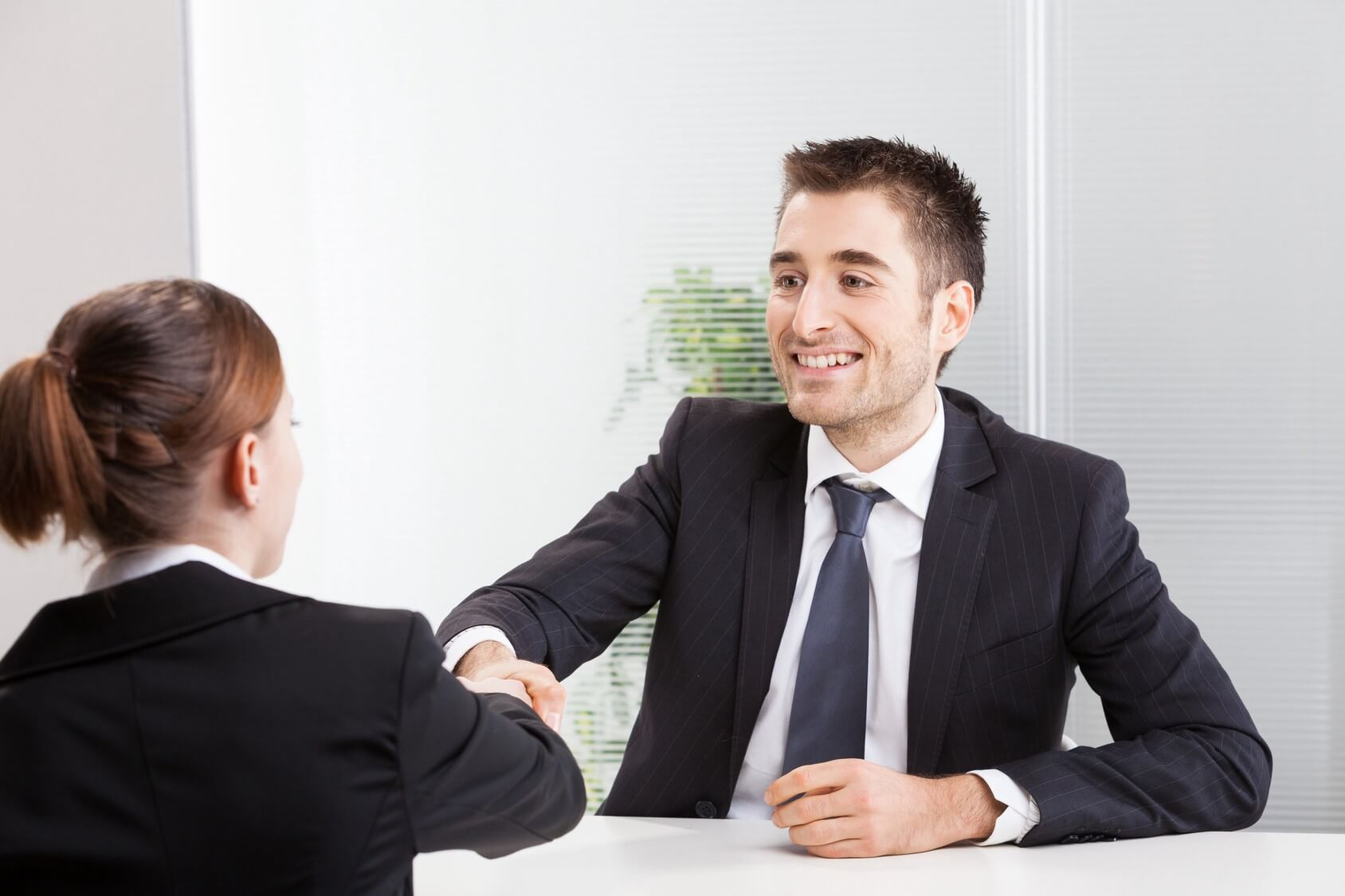 cách giao tiếp với khách hàng