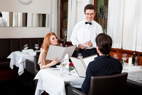 giải quyết phàn nàn của khách hàng trong nhà hàng