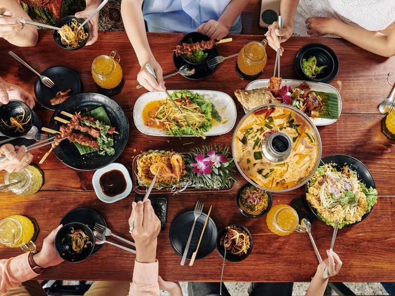 chăm sóc khách hàng bằng món ăn bắt mắt
