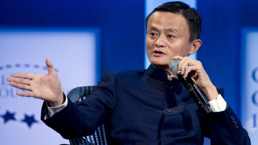 """Jack Ma diễn thuyết với người trẻ: """"Hãy thôi than phiền đi!"""""""