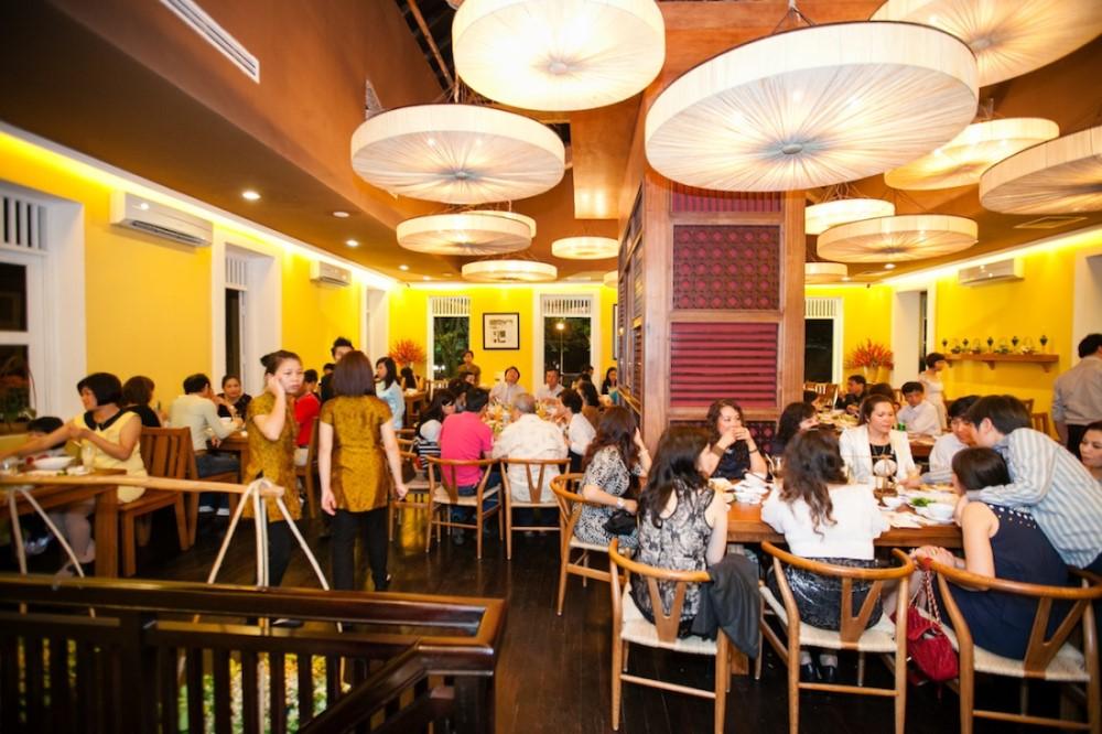 đảm bảo mặt bằng nhà hàng rộng rãi thoáng mát