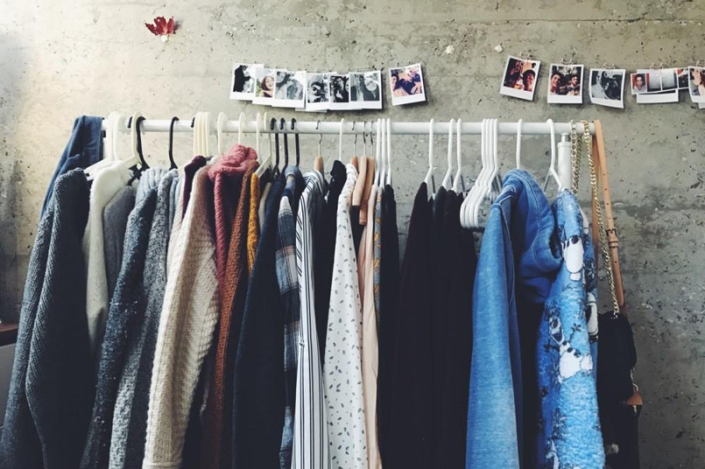 kinh doanh gì với 100 triệu đồng - bán quần áo online