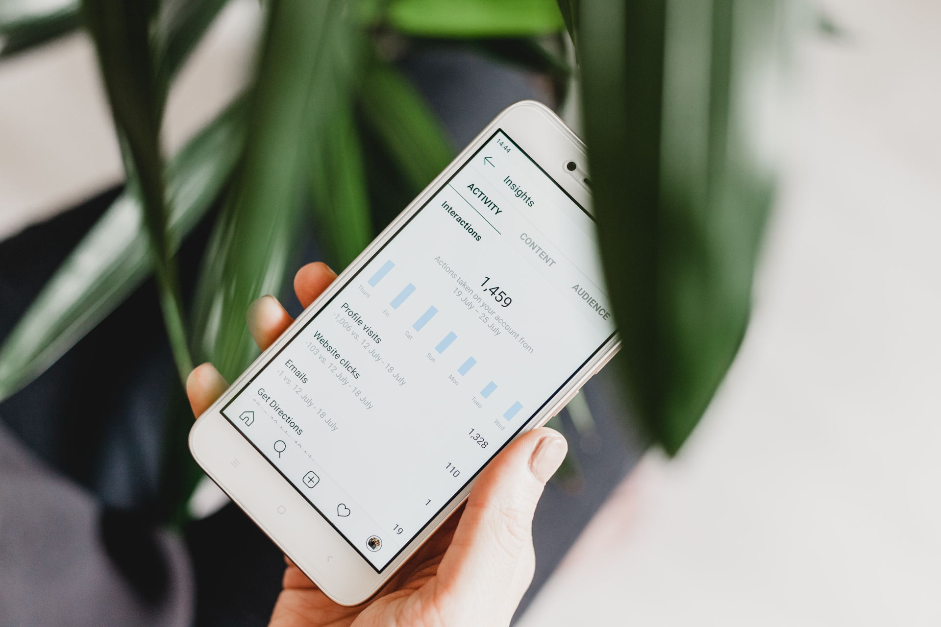 Tìm khách hàng tiềm năng trên Instagram