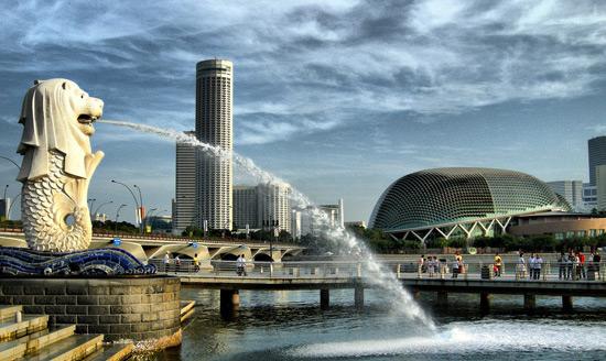 """Không chỉ được biết đến là một đất nước tươi đẹp, văn minh, Singapore còn có một sức hút """"ma lực"""" trong lĩnh vực thời trang"""