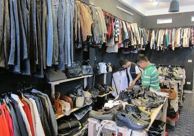 Mách bạn các mối vàbí quyết săn quần áo hàng thùng dịp cuối năm