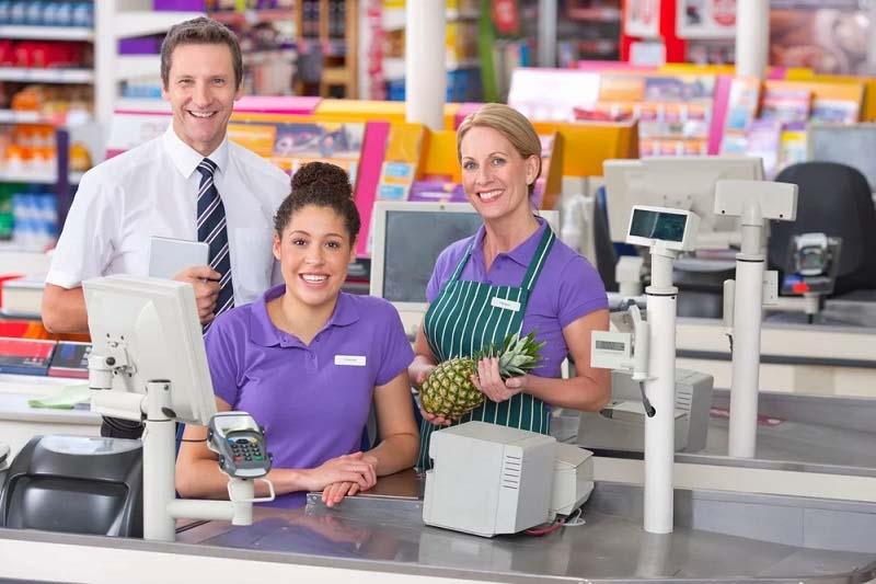 nhân viên quản lý siêu thị