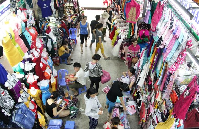 lấy quần áo sỉ ở chợ tân bình