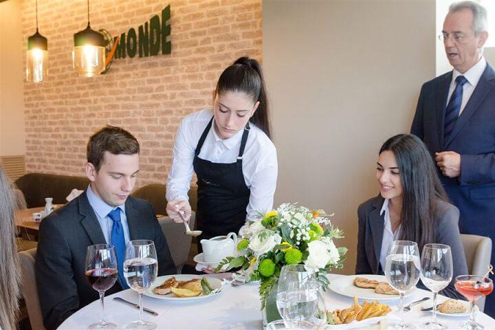 quản lý nhà hàng