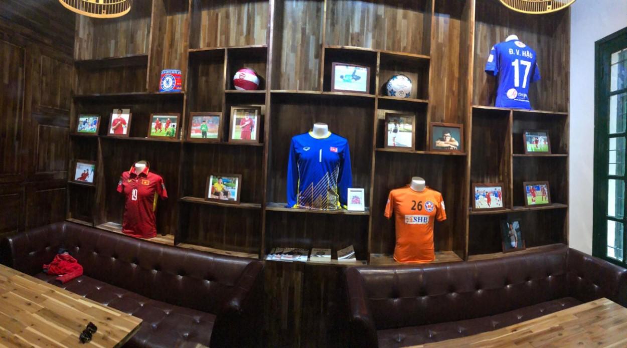 thiết kế quán cafe bóng đá mang phong cách thể thao