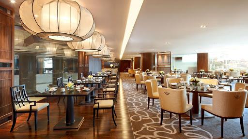 thiết kế nhà hàng sang trọng với nội thất cao cấp