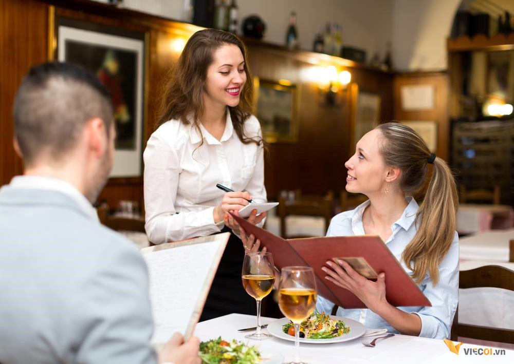 xin lỗi khách hàng tại nhà hàng
