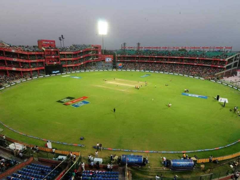 Smallest_cricket_stadium_in_the_world_by_boundary1562043904.jpg image