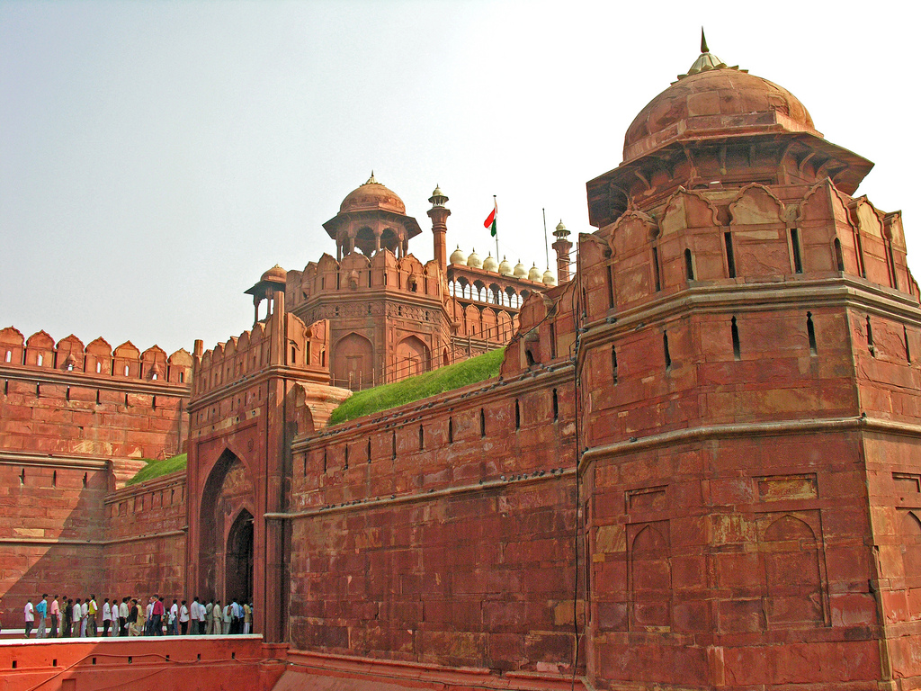 monuments of delhi Explore monuments of delhi delhi monuments in 1857, delhi had over 1300 monuments in 2014 there are just 174 monuments under the protection of asi out of which there is a lack of any.