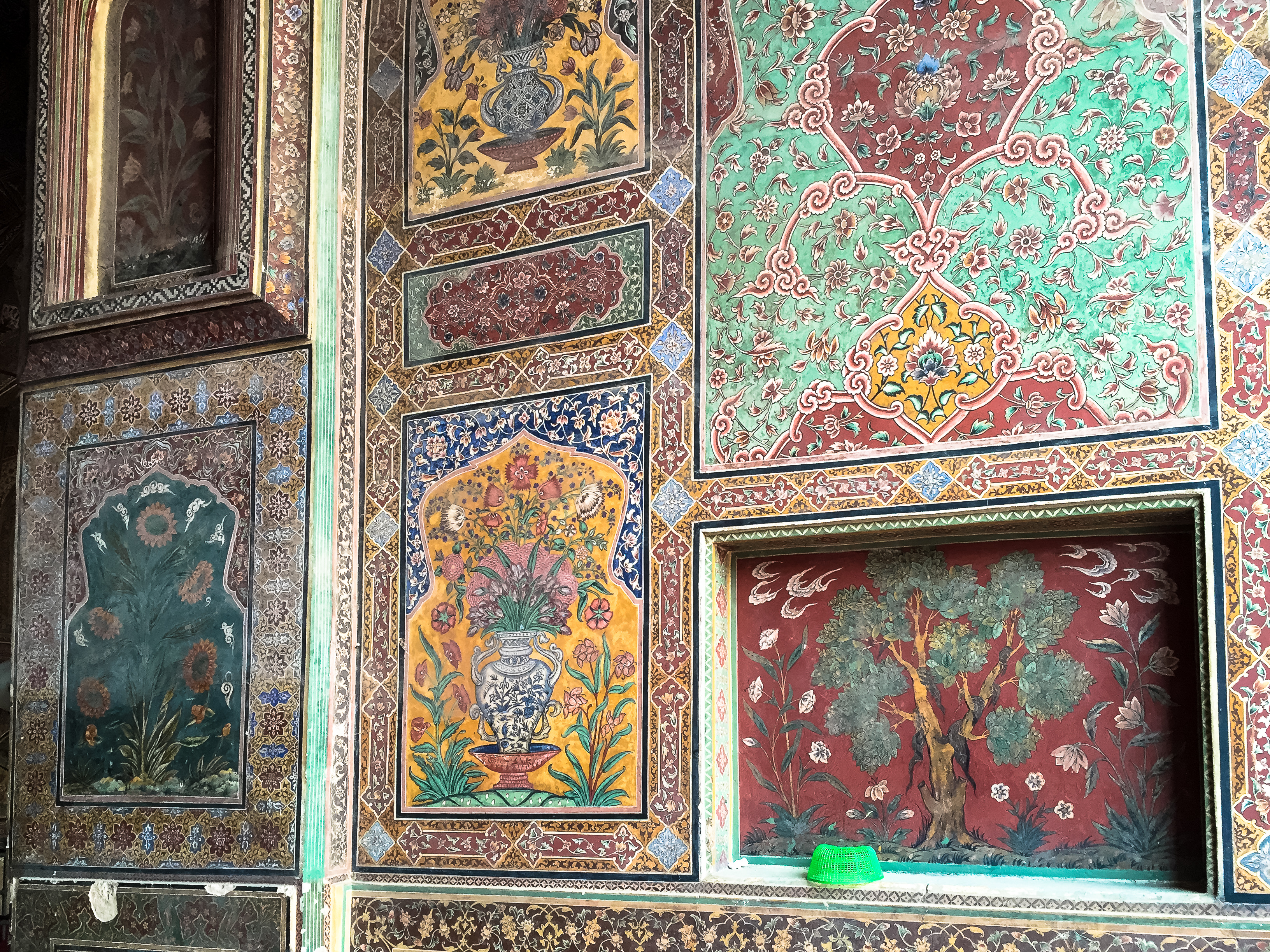 exploration of mosque and masjid essay Conservation activities of old traditional mosque in malaysia: an overview s johar, ag ahmad  masjid jamek in kuala lumpur, tengkera mosque in malacca, statues and other  documents.