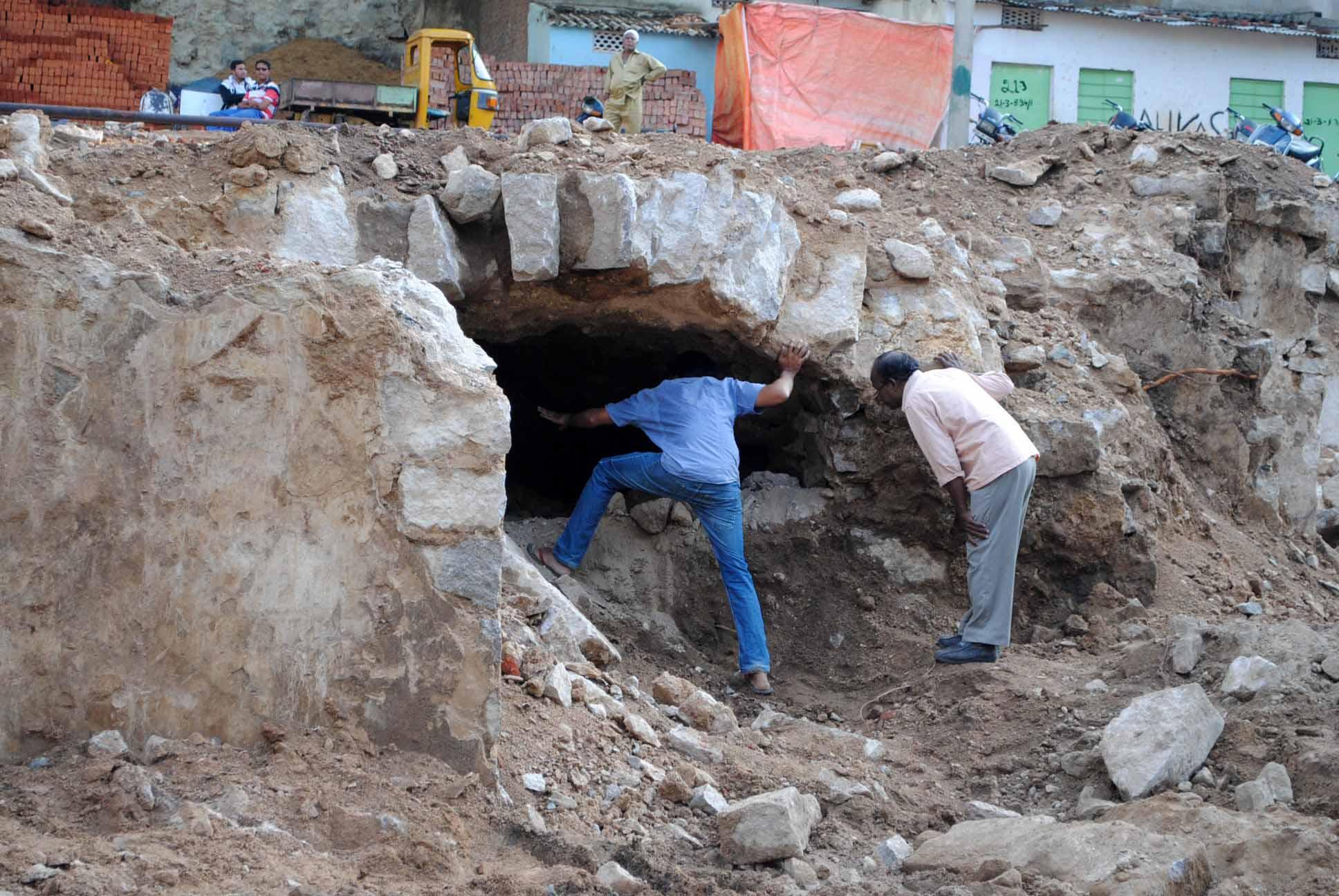 Image result for golconda fort secret tunnels