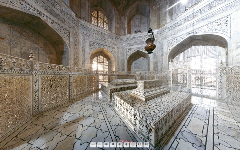 Why lord curzon 39 s name is inscribed on a lamp that hangs for Interior taj mahal