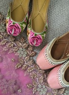 Thinking to wear such juttis for one of the wedding functions. Help me find them.  - SeenIt