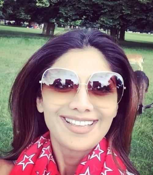 Want Shilpa Shetty's sunglasses - SeenIt
