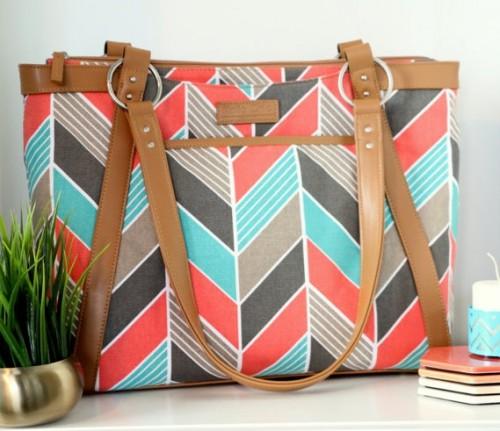 Chevron print laptop bag. have you seenit on domestic sites? - SeenIt