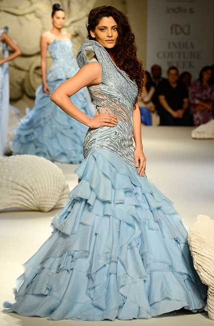 Saiyami Kher owned the ramp in a powder blue cocktail gown by Gaurav Gupta at ICW 2016 - SeenIt