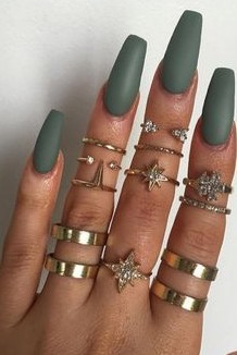 The mid rings and the nail paint color please <3 - SeenIt