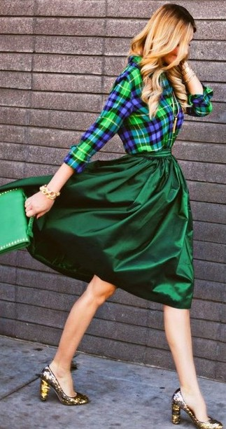 Totally want a similar skirt in this exact shade of green! - SeenIt