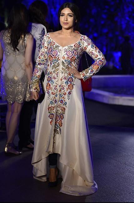 Bhumi Pednekar in Manish Malhotra at the Lakme India Fashion Week 2016. - SeenIt