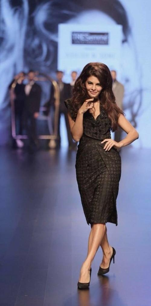 Jacqueline Fernandez in Ashish N Soni at the Lakme India Fashion Week 2016. - SeenIt