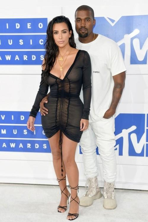 Kim Kardashian in John Galliano at the MTV Video Music Award. - SeenIt