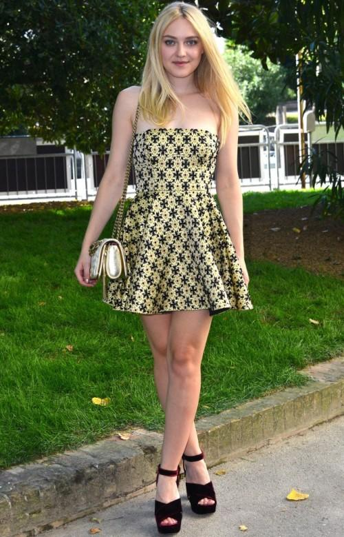 Dakota Fanning looked gorgeous at a Miu Miu event at the Venice Film Festival. - SeenIt