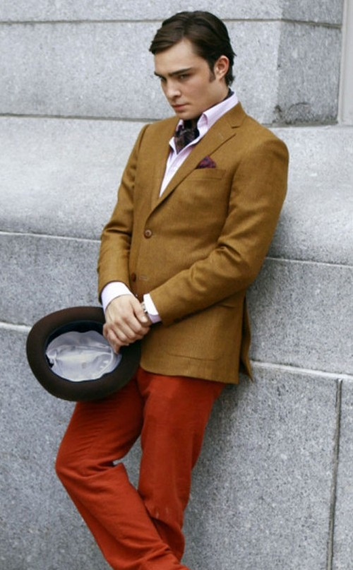 Need the  mustard blazer worn by chuck in gossip girl and the ascot(preferably on Amazon) - SeenIt