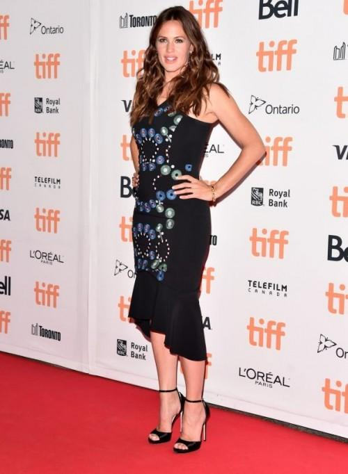 Looking lovely in a Peter Pilotto dress, Jennifer Garner attends the