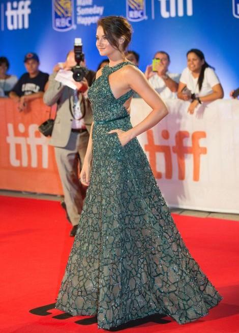 Shailene Woodley looking stunning at Snowden premiere. - SeenIt