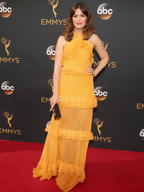 Mandy Moore in Prabal Gurung at the Emmy Awards 2016. - SeenIt