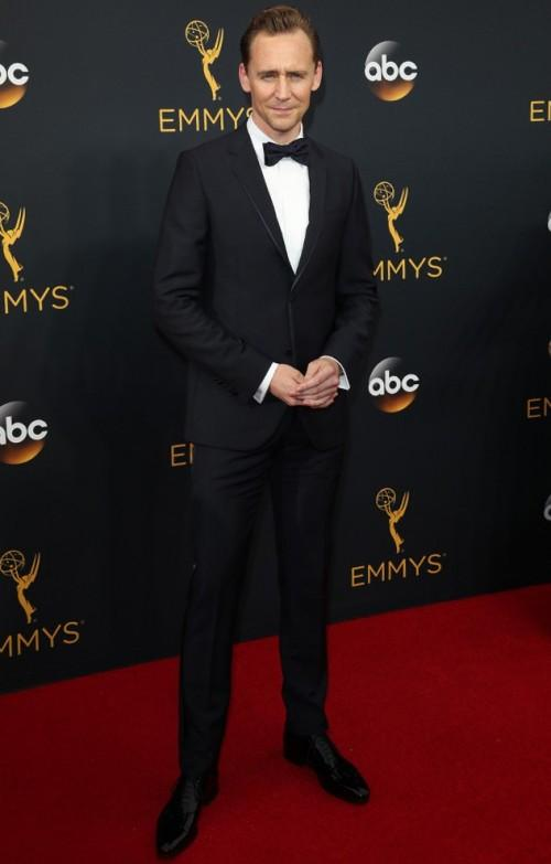 Tom Hiddleston wearing Gucci at the Emmy Awards 2016. - SeenIt
