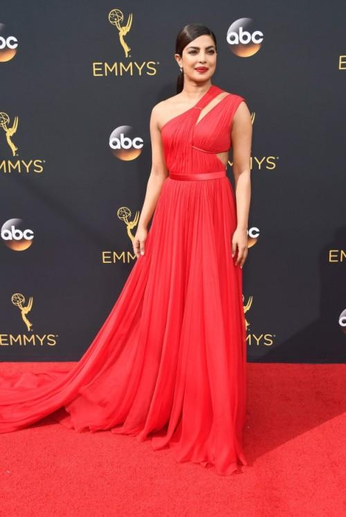 Priyanka Chopra in a Jason Wu gown at the Emmys Awards 2016. - SeenIt