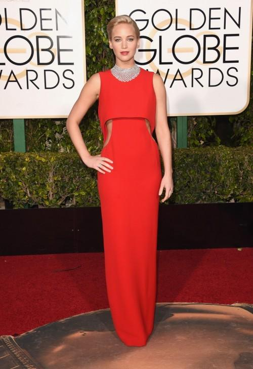 Jennifer Lawrence in Dior at the Golden Globes 2016. - SeenIt