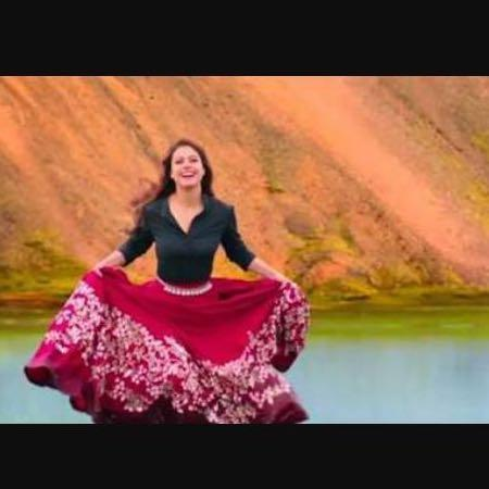 d62797f118 Maroon embroidered skirt from dilwale in the song Gerua.. Wow!! - SeenIt