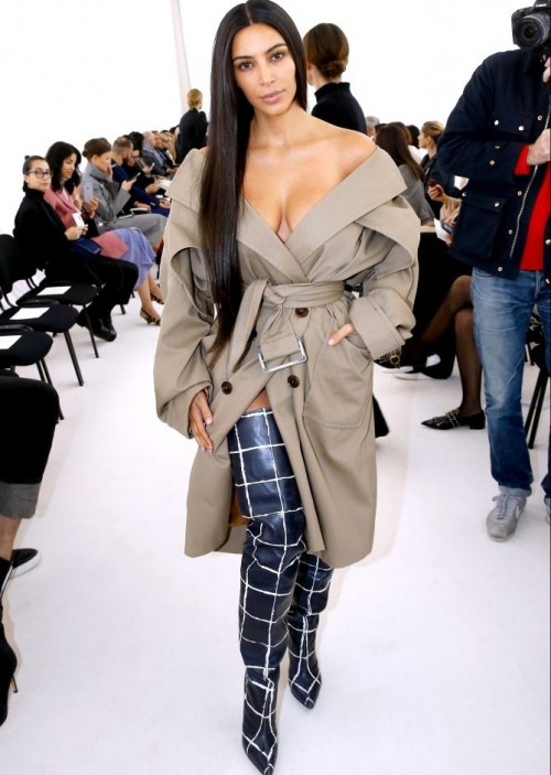Kim shared of her barefaced beauty moment at the Balenciaga show. - SeenIt