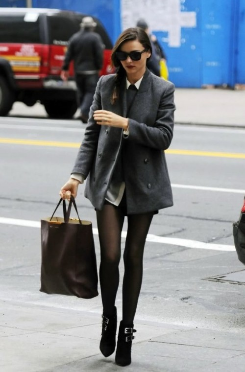 Love this Miranda Kerr's look. Help me find the grey trench coat that she is wearing. Also the black stockings, ankle boots, wayfarers and the brown tote bag! - SeenIt