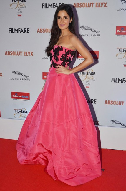 Katrina Kaif in Oscar De La Renta at the Filmfare Glamour And Style Awards 2016. - SeenIt