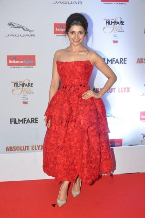 Prachi Desai in Nicolas Jebran at the Filmfare Glamour And Style Awards 2016. - SeenIt