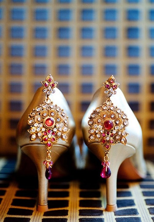Can get married right away if i find a similar studded golden  pair on a domestic website. - SeenIt