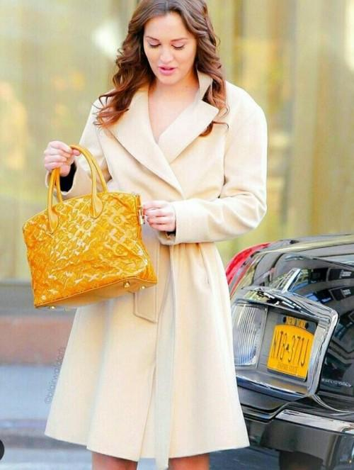 want a similar beige long dress coat that leighton meister wore - SeenIt